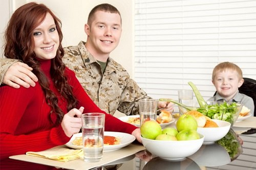 5 Tips for Hosting Your Military Community During the Holidays