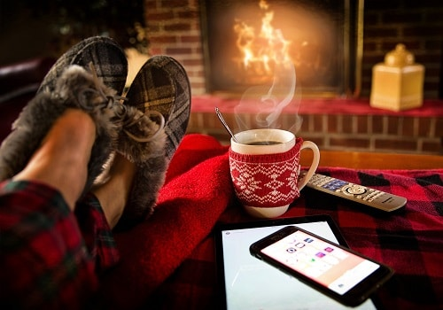 7 Must-Do Winter DIYs to Keep the Season Bright