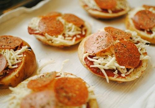 Recipe: Pizza Bagels, 3 Ways