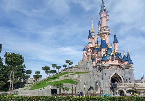 The Ultimate Disney Guide for MilFams is Here!