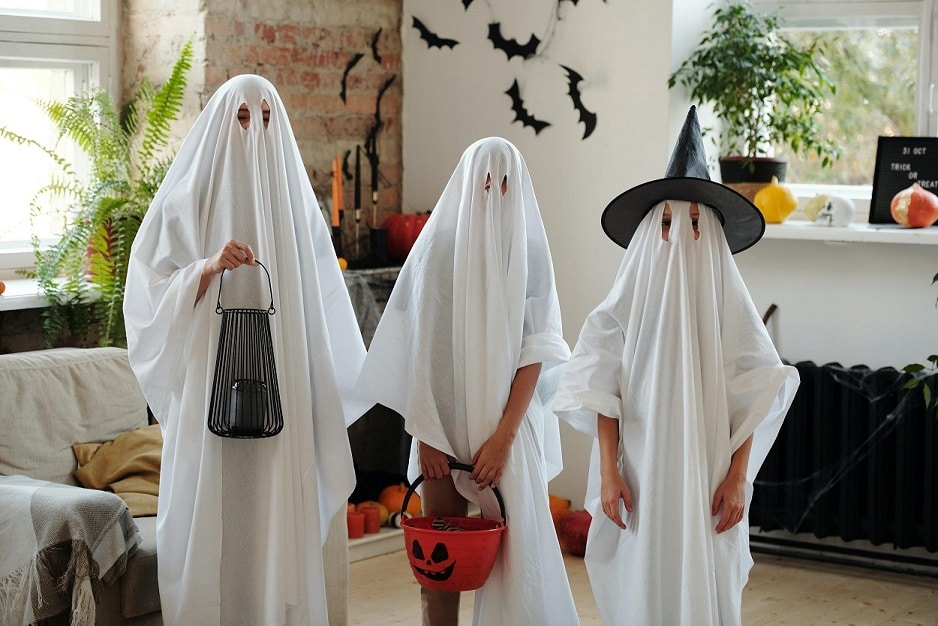 10 Ways to Safely Celebrate Halloween This Year